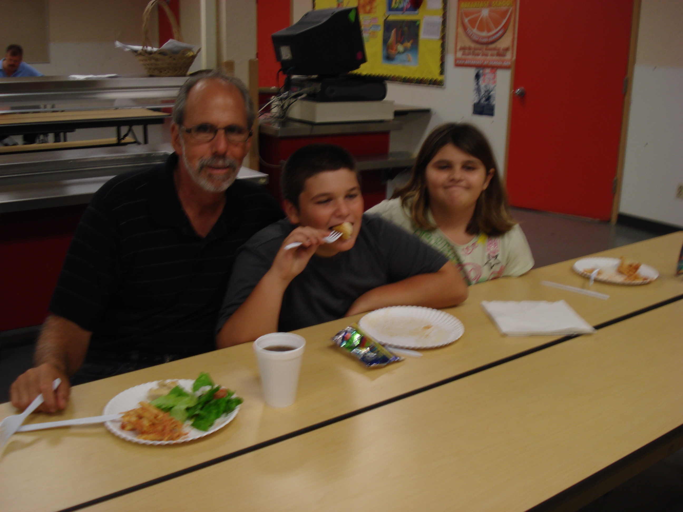 Bayshore Elementary families attend FCAT night
