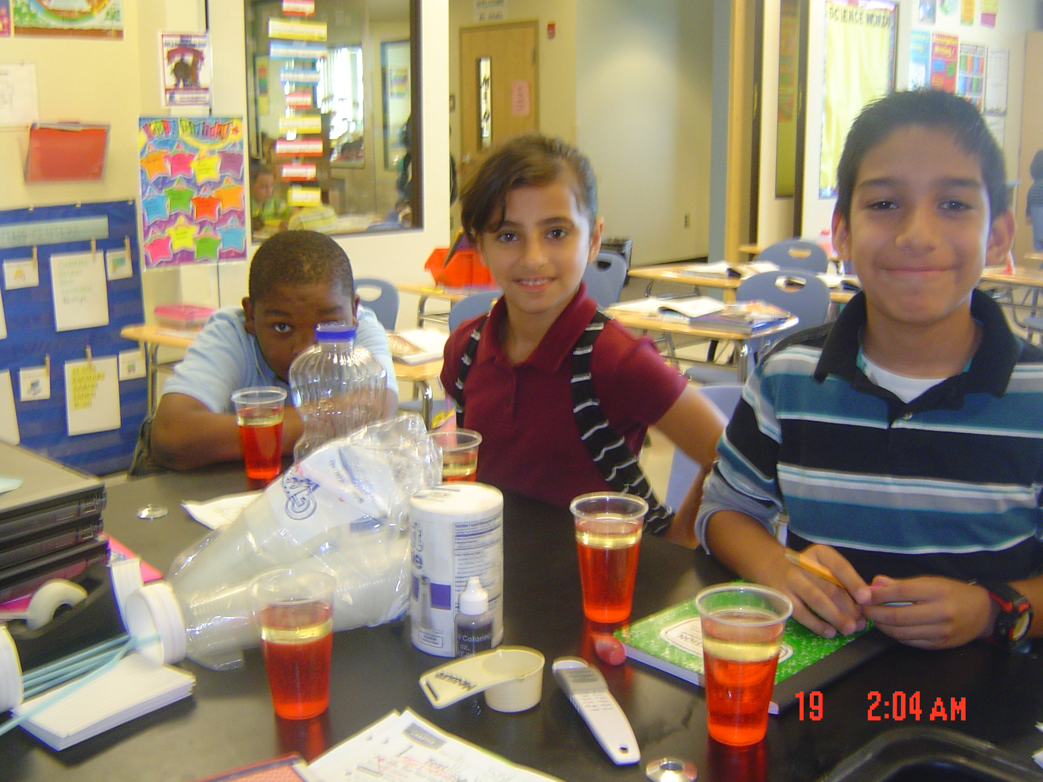 Allapattah Flats fourth graders experiment with the scientific process