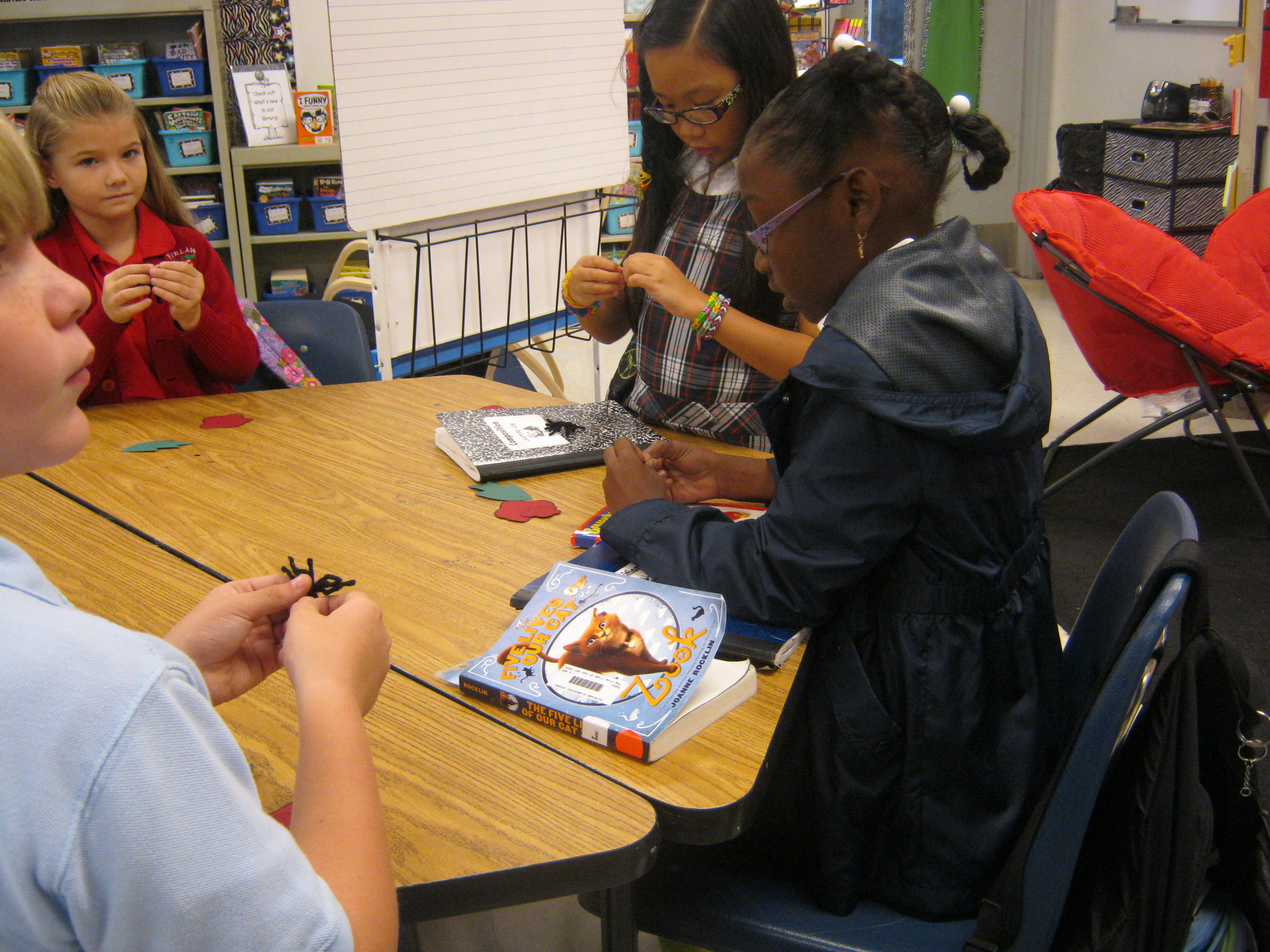 Fairlawn Elementary students make poppies to honor Veteran's Day
