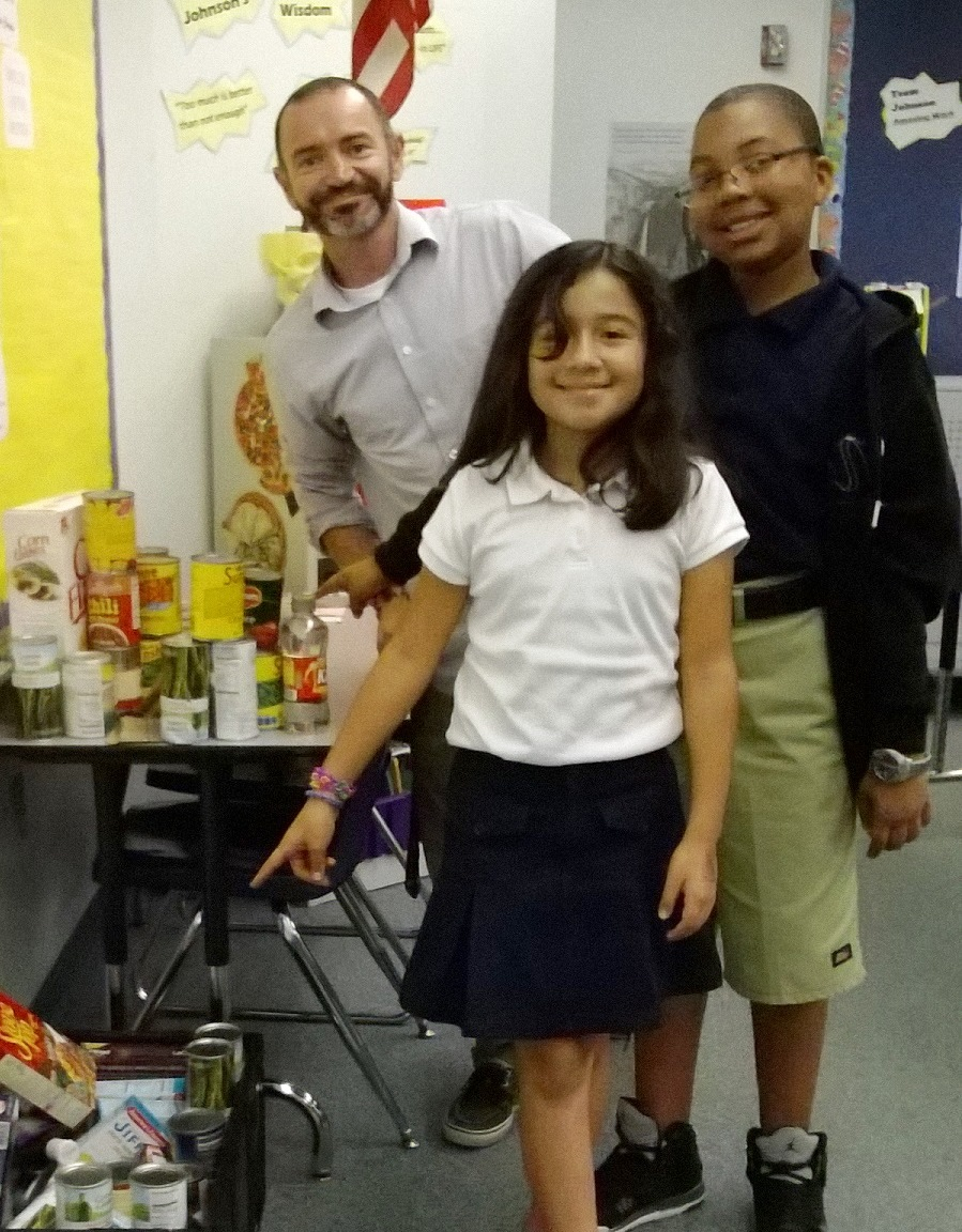 Lawnwood Elementary teacher challenges his colleagues for holiday food drive