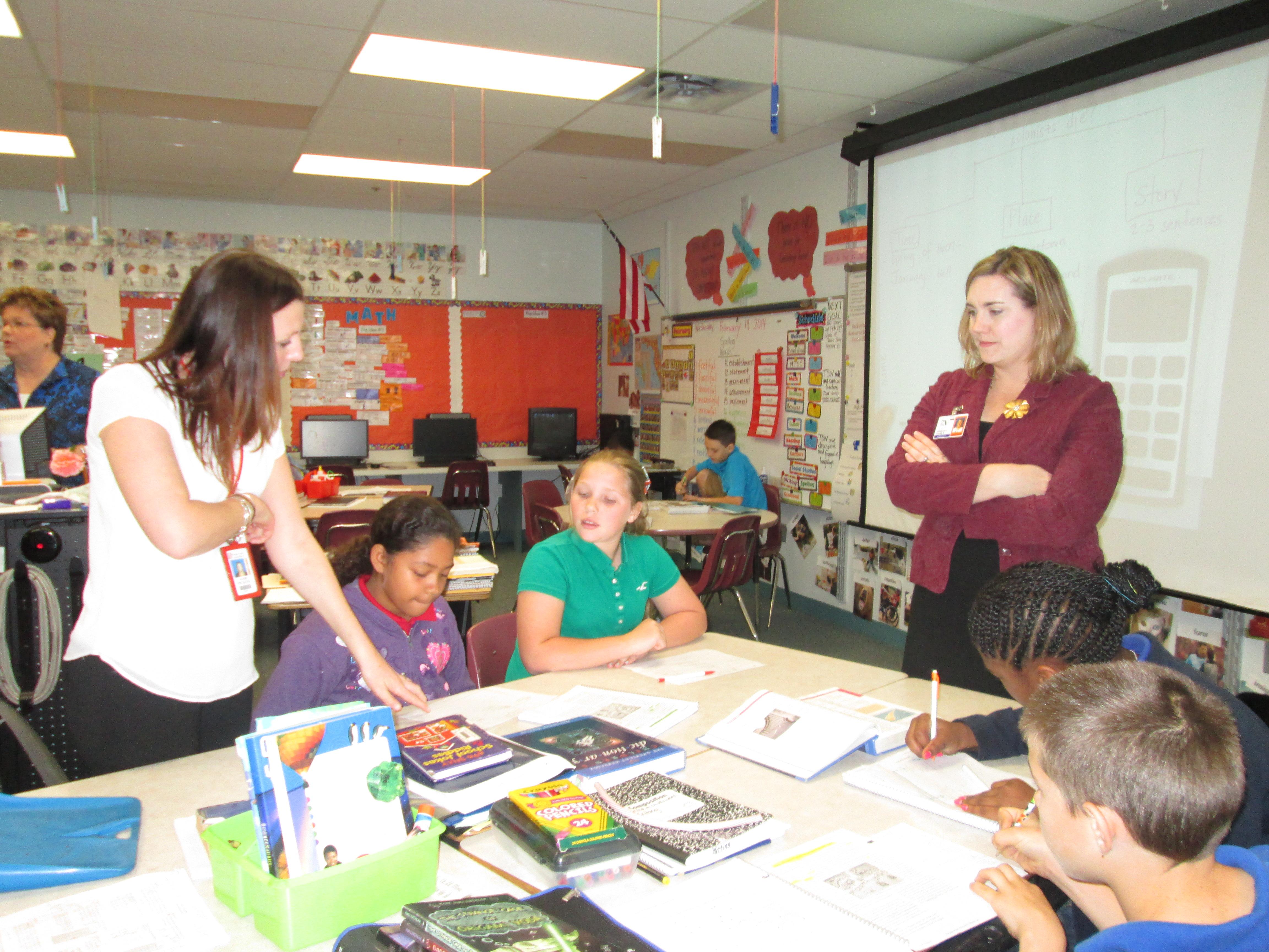 Savanna Ridge students impress visitors with high level thinking DBQ activities