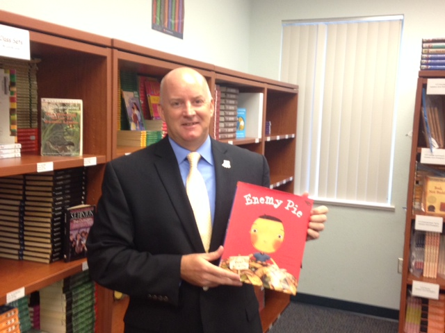Dr. Mark Rendell Reads at Palm Pointe