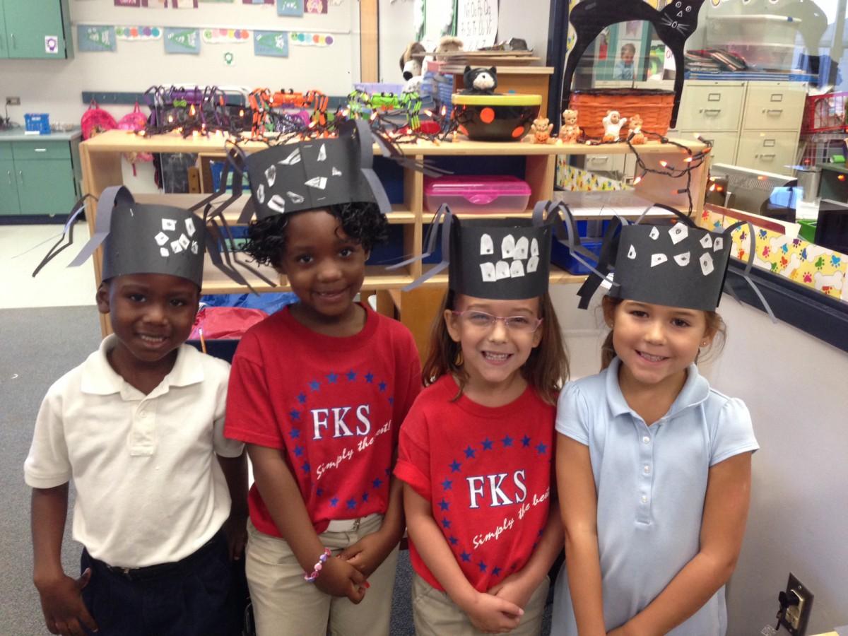 F.K.Sweet Kindergarteners Make Fun Spider Models