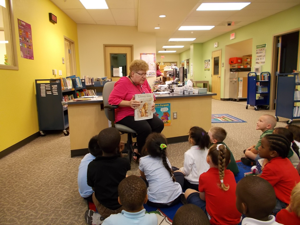 Allapattah Flats VPK Learns About Librarians