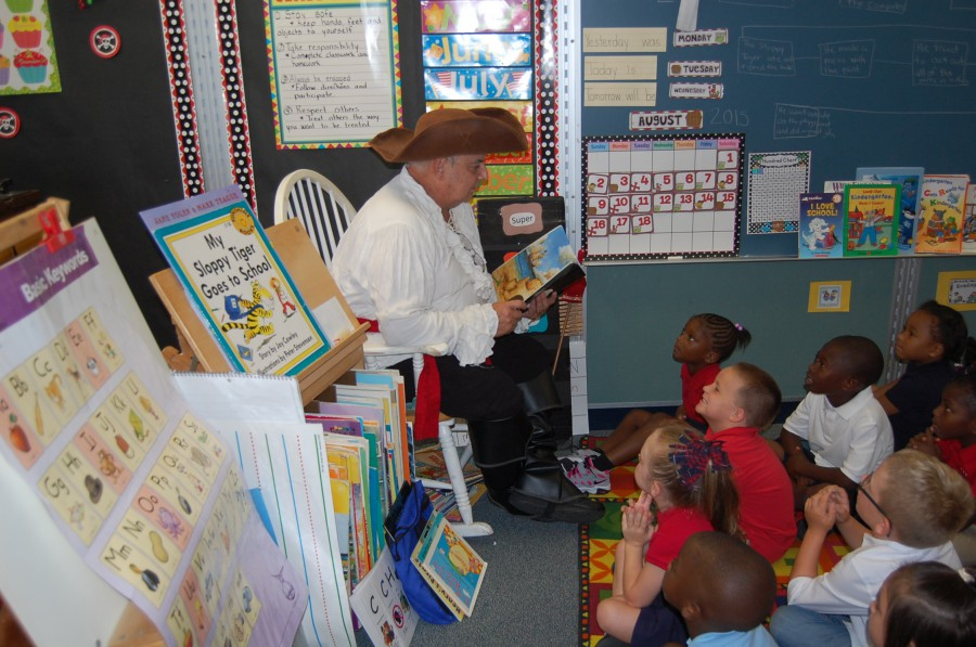 Capt'n Book Visits Kindergarten at Frances K Sweet