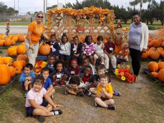 Allapattah Flats VPK and Kindergarten Classes Visit the Pumpkin Patch