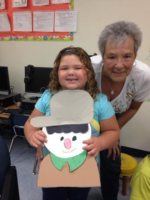 Kindergarten Loves Apples at Mariposa Elementary