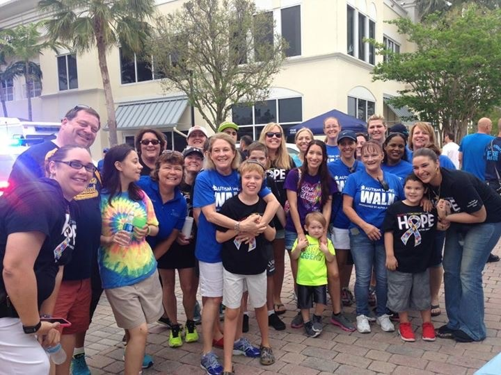 Palm Pointe Participates in the Autism Speaks Walk at Tradition