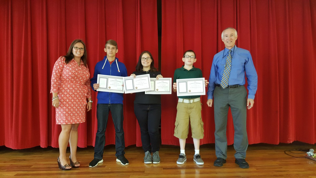 FGMS Presents Its Perfect Score Students