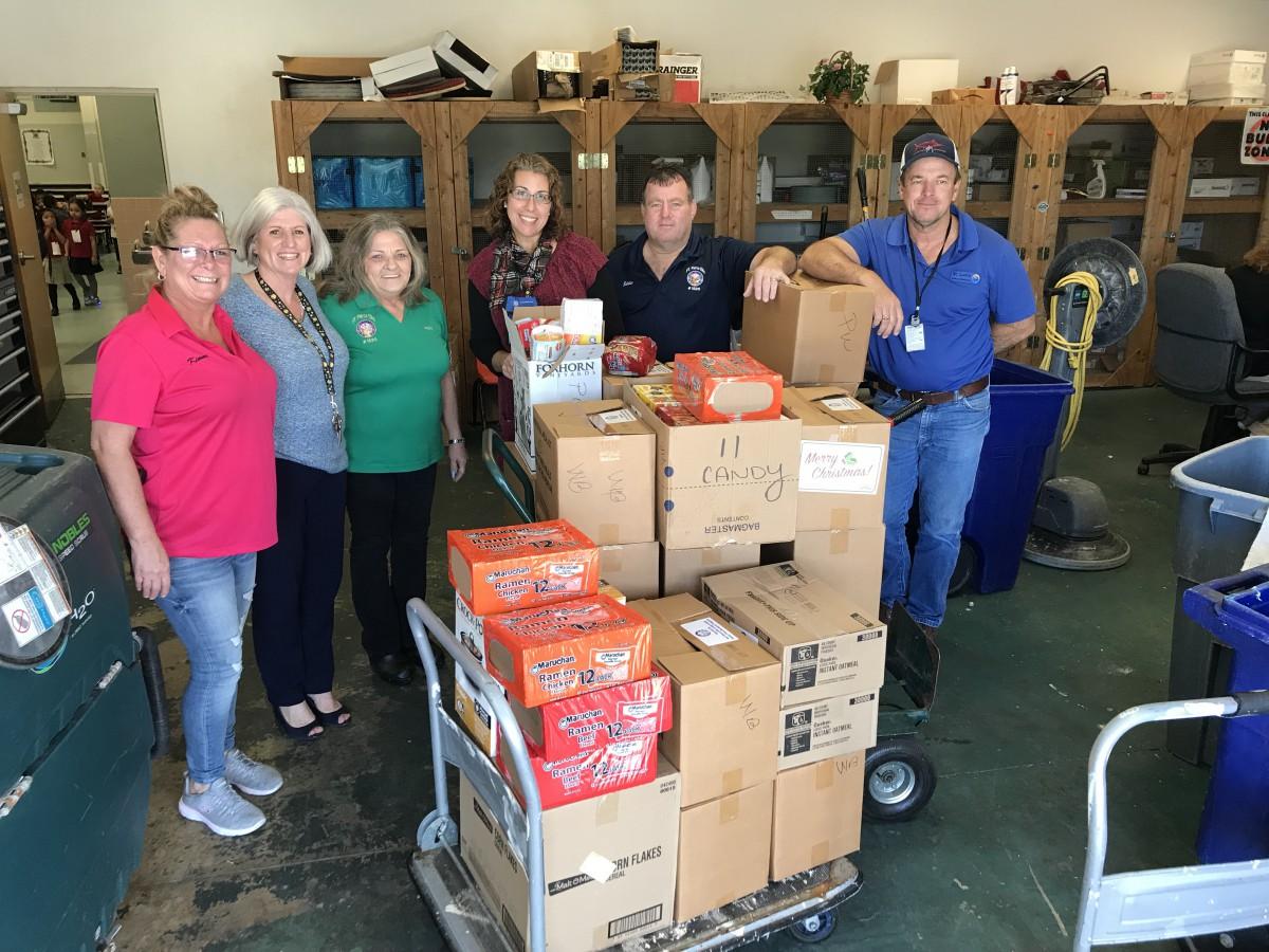 Fort Pierce Elks #1520 Help Stock Weatherbee Food Pantry