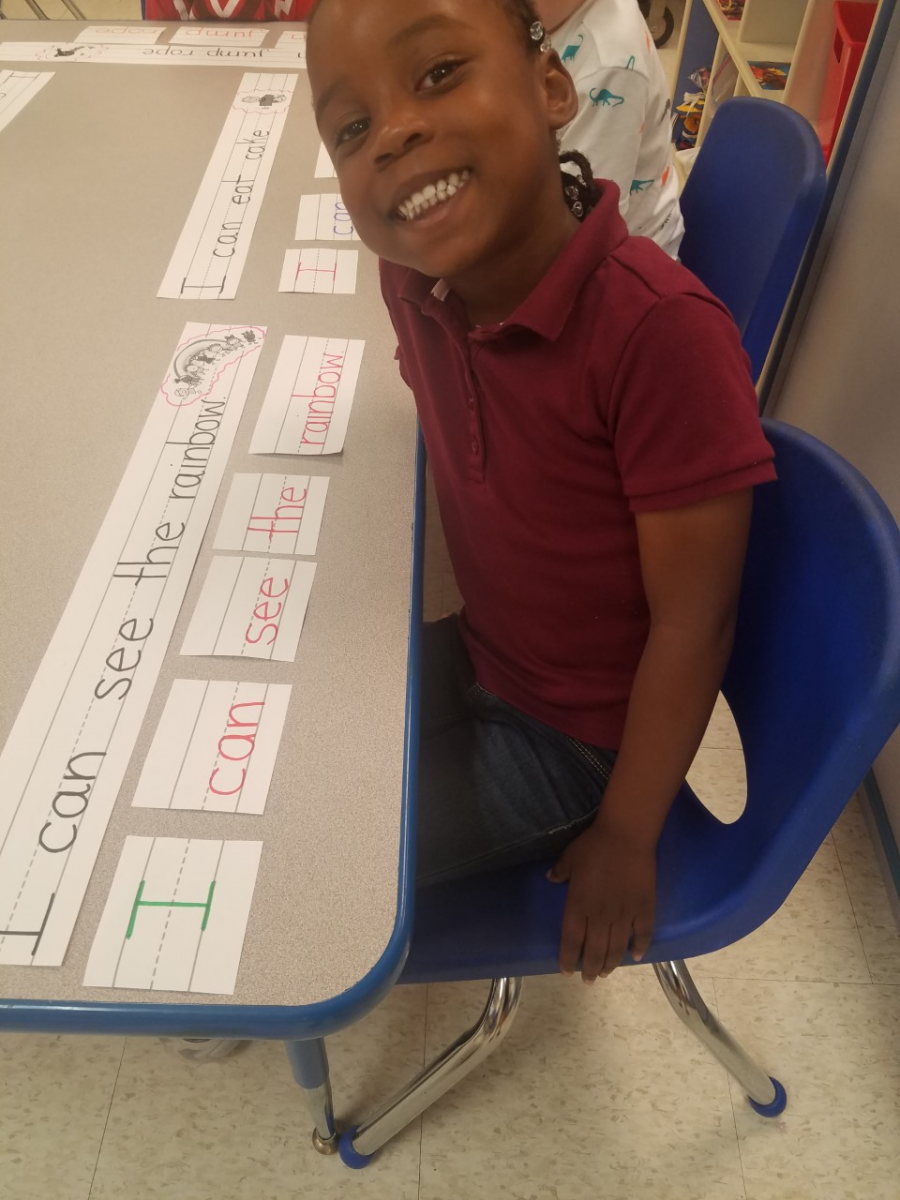 Mariposa Elementary VPK Explores Sentence Structure