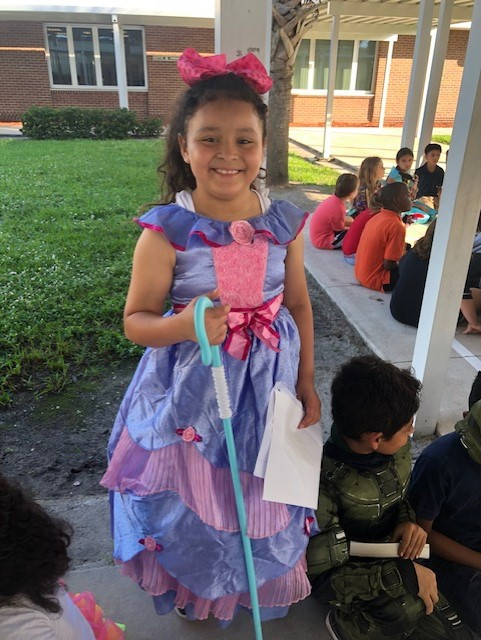 Mariposa Elementary's Storybook Character Day