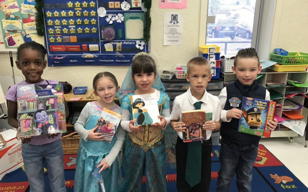 Floresta Elementary Celebrates Literacy Week and the 100th Day of School!